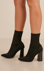Therapy Shoes - Saxon Boots in black lycra
