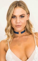 Unite Us Choker in dark wash denim