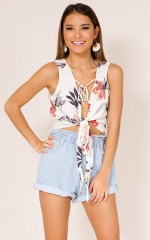 Wander The Unknown top in white floral