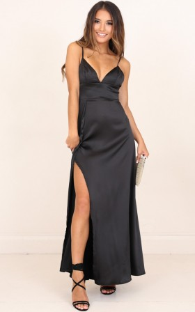 Disconnected maxi dress in black