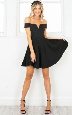 Meet Me Dress in black