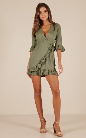 Chill Mood dress in khaki linen look