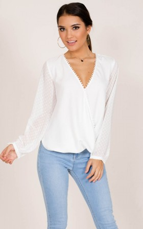 Snap Up top in white