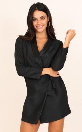Talk To Me blazer in black