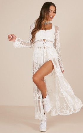 Do You Believe In Magic Kimono in cream