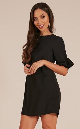 Hidden Back Zipper Pocketed  Short Sleeves  Polyester Short  Dress