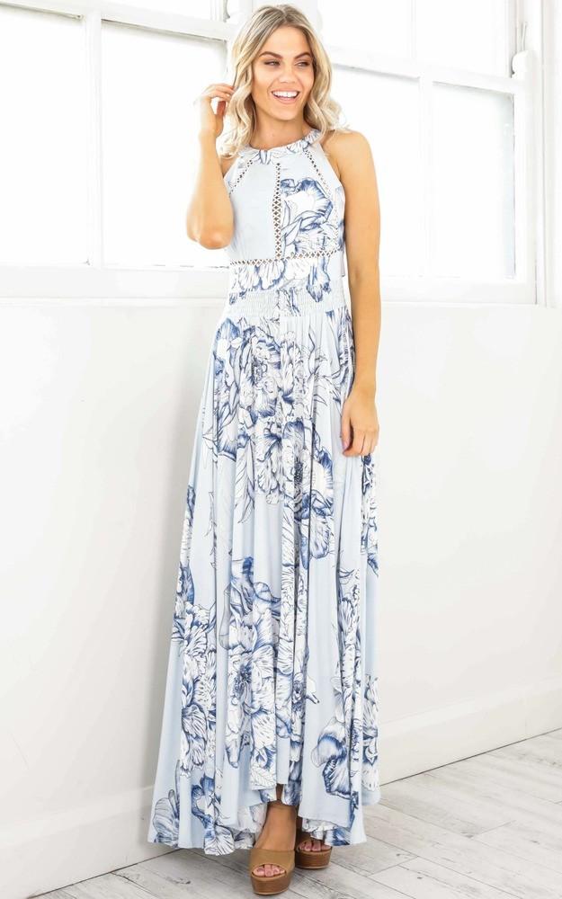 /r/u/run_alone_maxi_dress_in_blue_floralro.jpg
