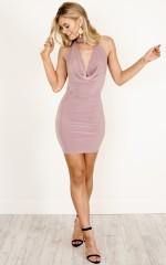 No Blinks dress in mauve