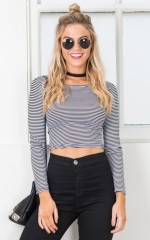 Day Off Crop top in black stripe