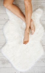Flat Lay Faux Fur Rug in white