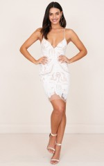 Free Falling dress in white