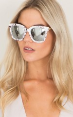 Rock Wall sunglasses in white marble