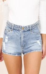 Sandy Beaches shorts in light denim