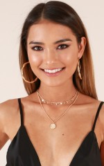 So Over It choker in gold