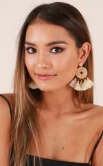 Tell Me More earrings in gold