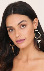 Starlight earrings in black and gold