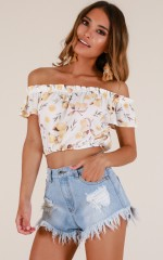 When Life Gives You Lemons top in white floral