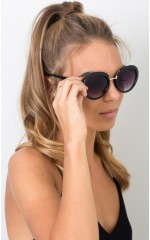 Fight The Sun sunglasses in black