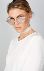 Glowing sunglasses in rose gold