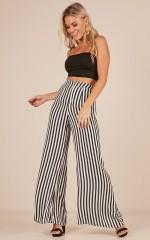 Go Unnoticed pants in black stripe