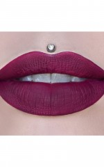 Jeffree Star Cosmetics - Velour Liquid Lipstick In Santa Baby