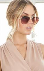 Sunblock sunglasses in black and gold