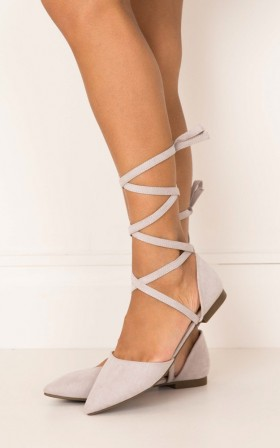 Billini - Zenya in light grey suede