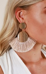 Keep The Beat earrings in beige