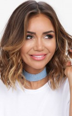 Kimmy K choker in light wash