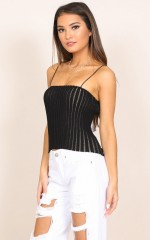 Disposition top in black