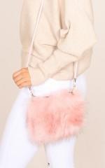 Fluffy Dreaming purse in blush