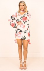 I Keep On falling dress in pink floral
