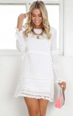 Sensitive Dress in white