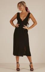 Optimistic dress in black