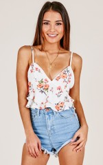 Take A Stand top in white floral