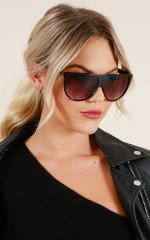 Going Under sunglasses in black