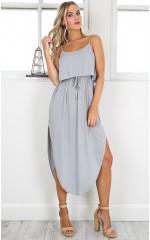 Keep Dreaming dress in grey