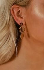 Speak Out earrings in gold