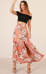 Who You Know skirt in peach floral